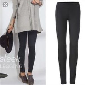 Bundle of 2 Cabi 3211 Sleek Leggings